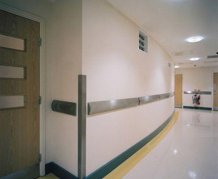 ضربه گیر ستون بیمارستان